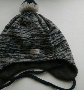 Продам детскую шапочку LASSiE.