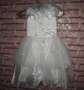 Нарядное платье (3-4 года)