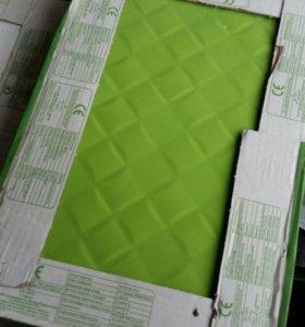 Плитка (из Леруа) белая и зелёная