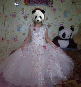 Очень красивое платье (5-7 лет)