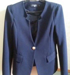 Пиджак женский. Темно синий цвет.