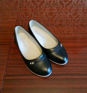 Туфли школьные новые