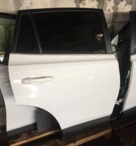 Toyota RAV4 CA40 двери