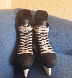 Коньки хоккейные GRAF Super 035
