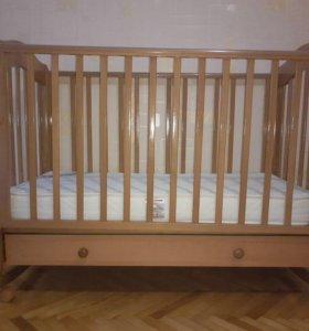 Детская кроватка маятник с матрасиком
