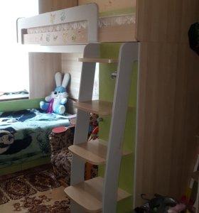 Детская комната Киви с кроватью-чердаком