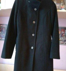 Пальто драповое.