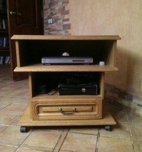 Стол,тумбочка под телевизор и стойка для дисков