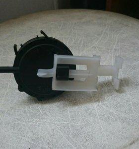 Реле контроля стиральной машинки Indesit WISL83