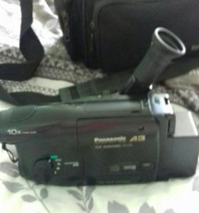 Видео-камера на  кассетах VHS