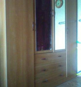Шкаф в хорошем состоянии, в 211, ,д 177, г 58