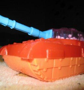 Заводной танк