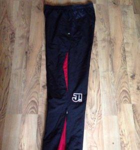 Продам фирменные красивые брюки размер 52