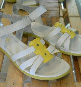Сандалии ECCO новые женские сандали белые желтые