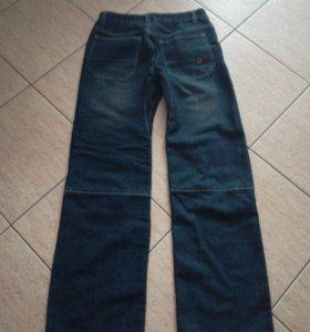 Стильные джинсы новые на подростка