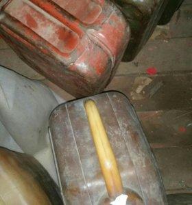 Канистры под бензин