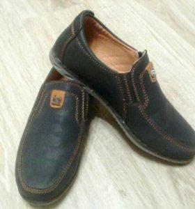 Макасины и кроссовки