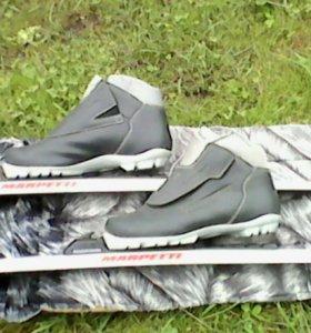 Лыжи(пластик)+ботинки+ палки