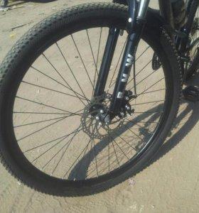 Скоростной велосипед, чёрный