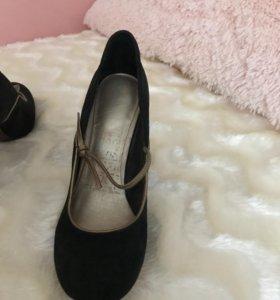 Туфли замшевые 36 р