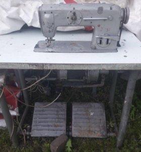 Швейная машина Textima