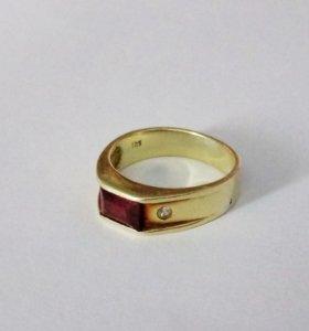 Кольцо золотое с рубином