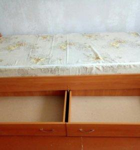 кровати с матрацами