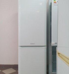 "Холодильник ""Hotpoint- Ariston"""
