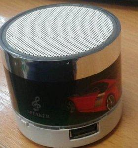 Колонка с FM-радио. (новая)