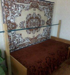 Кровать с поручнем