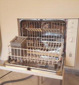 Посудомоечная машина Bosch в идеальном состоянии