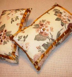 Декоративные подушки на диван или кровать