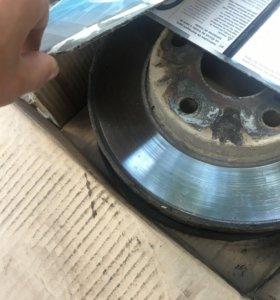 Тормозные диски и колодки б/у