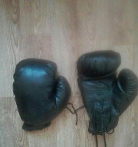 Боксерские перчатки кожаные