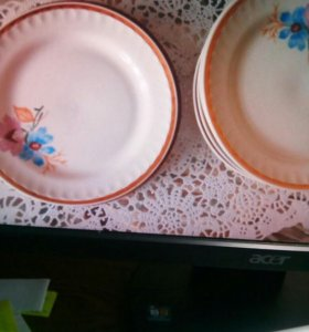 Тарелки под первое и второе блюдо.