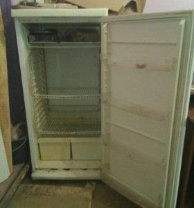 Холодильник в рабочем состоянии не большой торг