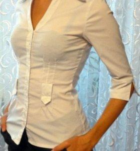 Строгая белая рубашка