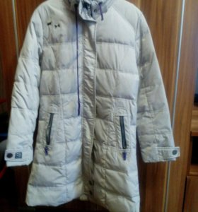 Пальто зимнее,пуховик с капюшёном