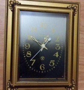 часы настенные Янтарь СССР, в рабочем состоянии