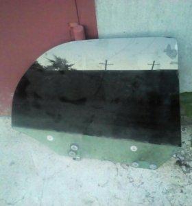 Заднее правое стекло subaru impreza