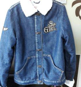 Куртка джинсовая на меху.на 6-8л
