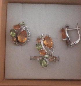Серебряный комплект серьги и кольцо .