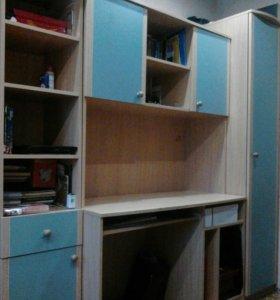 Стол компьютерный и шкаф и пенал