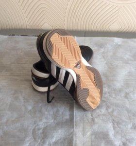 Кроссовки детские adidas 33 размер