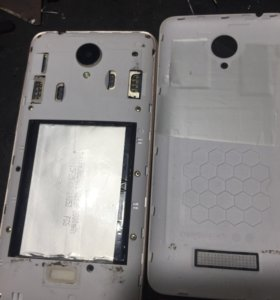 Смартфон Micromax Canvas Spark Q38