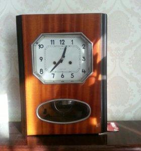 Настенные часы с боем