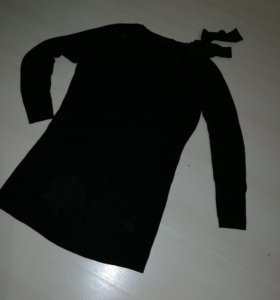 Платье короткое с открытым плечом