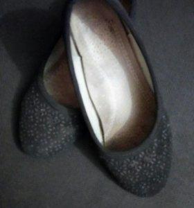 Туфли для девочки 30 размер.
