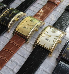 Часы наручные, с гербом России