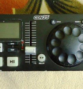 Контроллер D-J CD-проигрывателя Numark CDN35 б/у